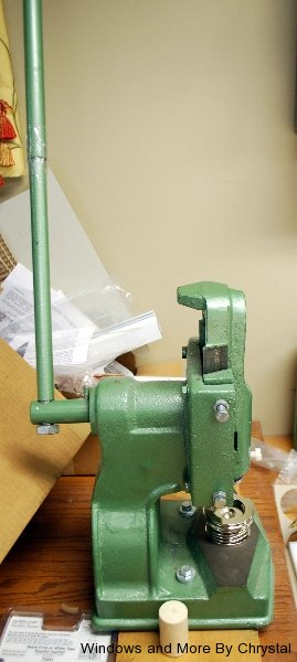 Grommet and Button maker machine