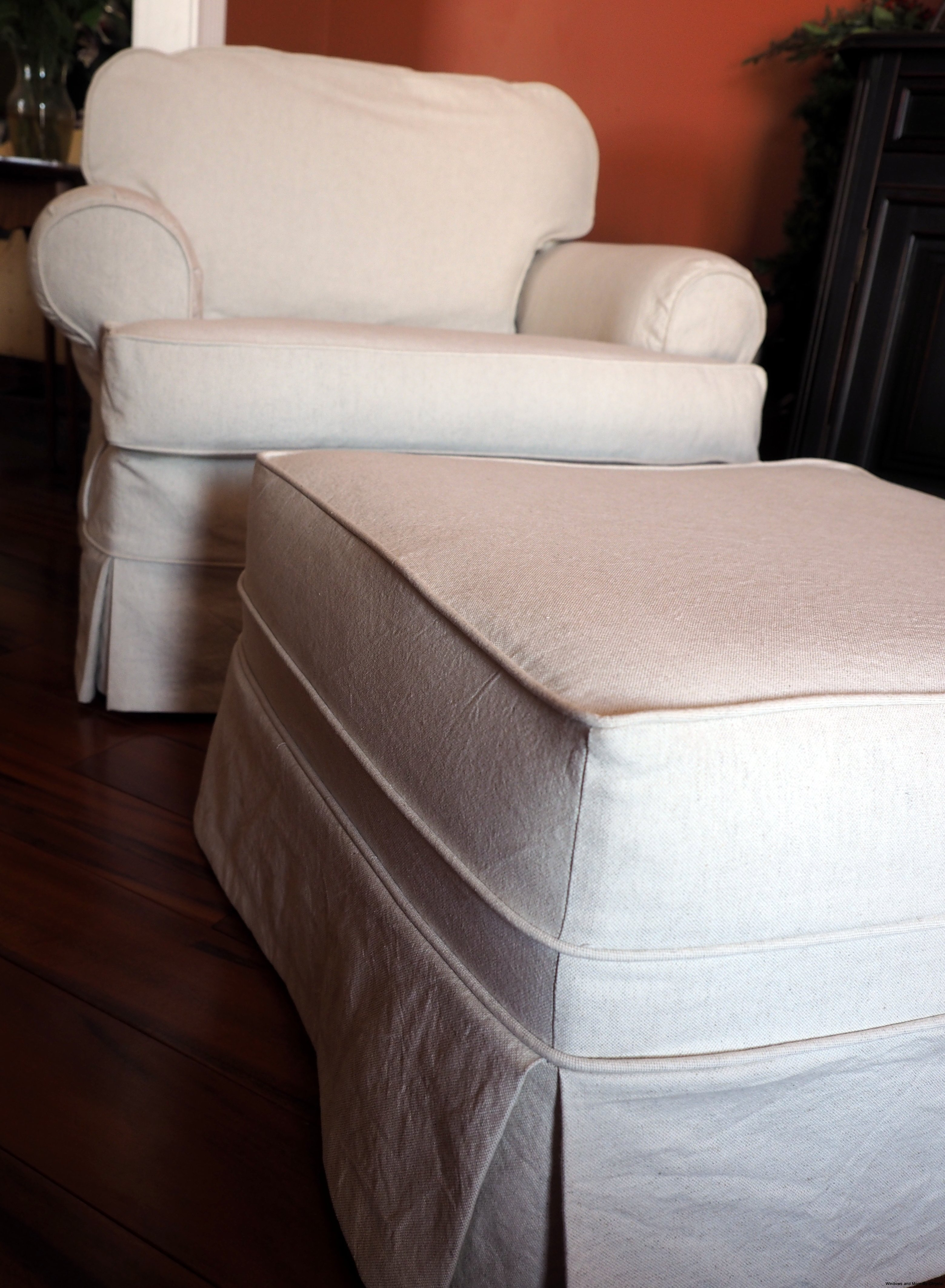 Ordinaire White Canvas Slipcovered Chair And Ottoman