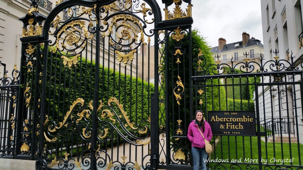 Abercrombie & Fitch Gates