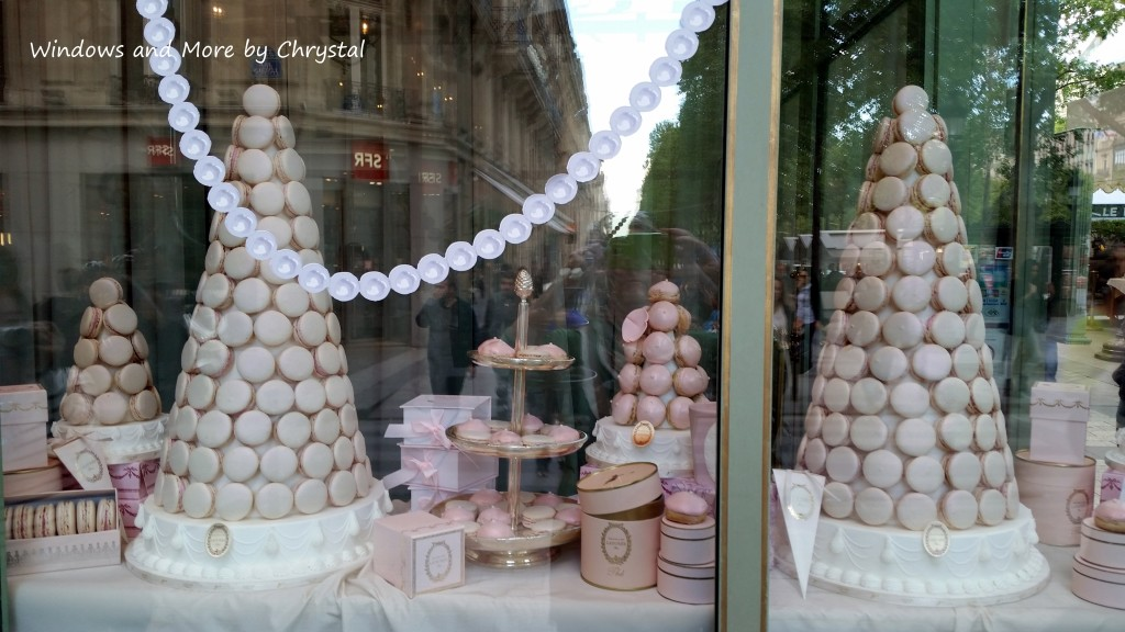 Macaroon Shop in Paris